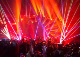 Ravefest med mycket ljus